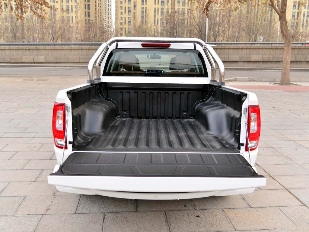 Wingle pickup truck bed liner
