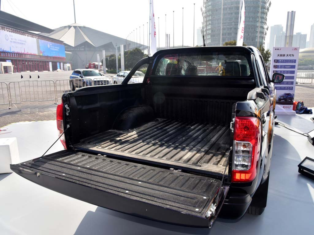 RICH6 pickup truck bed liner